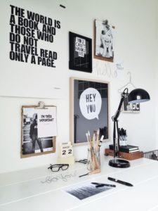 room deco, frames, photo