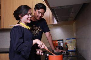newlywed couple, pasutri baru menikah, kost pasutri